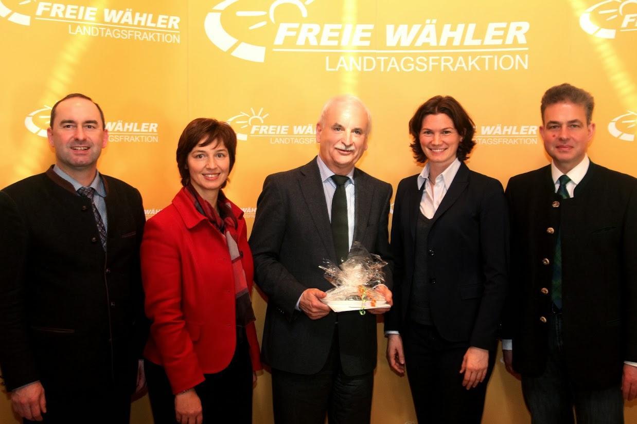 Landrat Herbert Mirberth (Mitte) besuchte die FREIEN WÄHLER anlässlich ihrer zweitägigen Klausurtagung in Regensburg